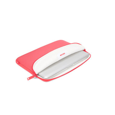 Incase Neoprene Classic Sleeve - MB 11- RED PLUM